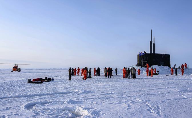США опять собрались пугать Россию в Арктике своими отмороженными ушами