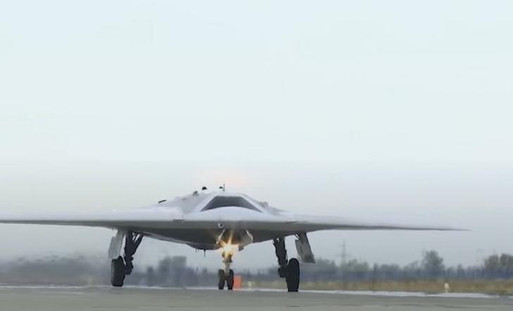 Русский БПЛА «Охотник» впервые осуществил бомбометание