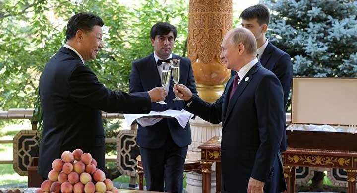 Россия и Китай отказываются от токсичного доллара