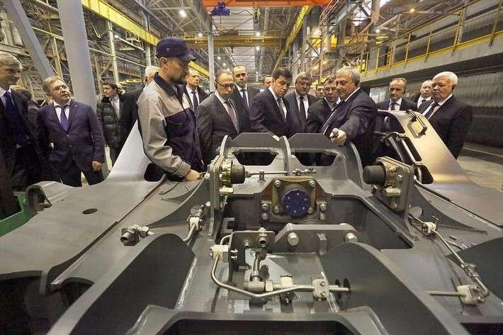 «Уральские локомотивы» начинают серийный выпуск электропоездов ЭС2Г
