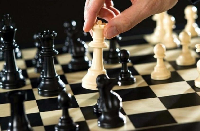 Трудно поверить: юный русский шахматист обыграл чемпиона мира Карлсена