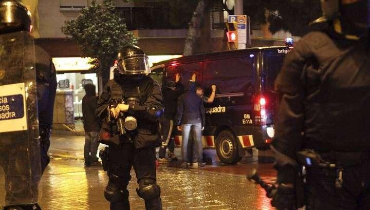 Анархисты устроили погромы в Барселоне и Мадриде
