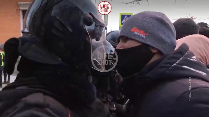 К протестам в Москве провокаторы готовились основательно: арматура, петарды и дымовые шашки