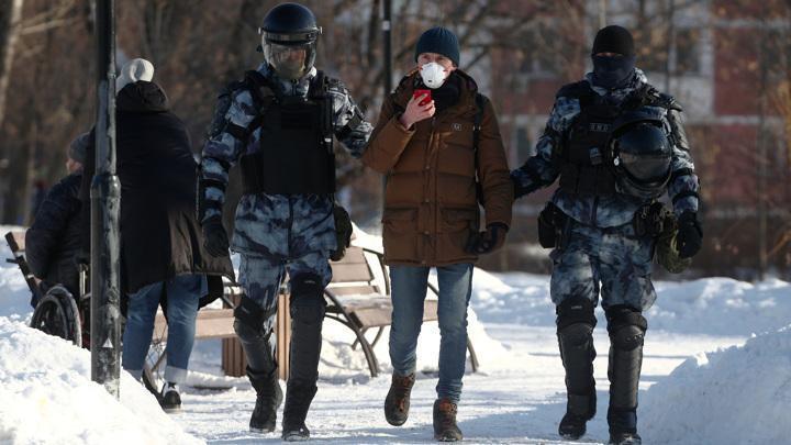 У Мосгорсуда задержаны более 200 навальнистов