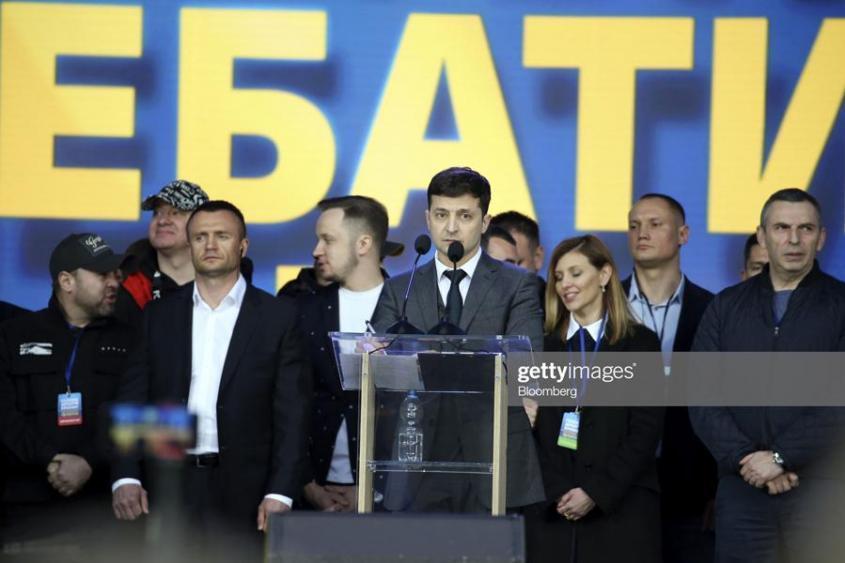 Украина возвращается в прошлое: Порошенко 2.0 возродился в образе Зеленского