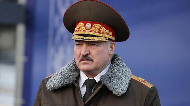 Лукашенко управляет Белоруссией 27-й год не потому, что он тиран и диктатор
