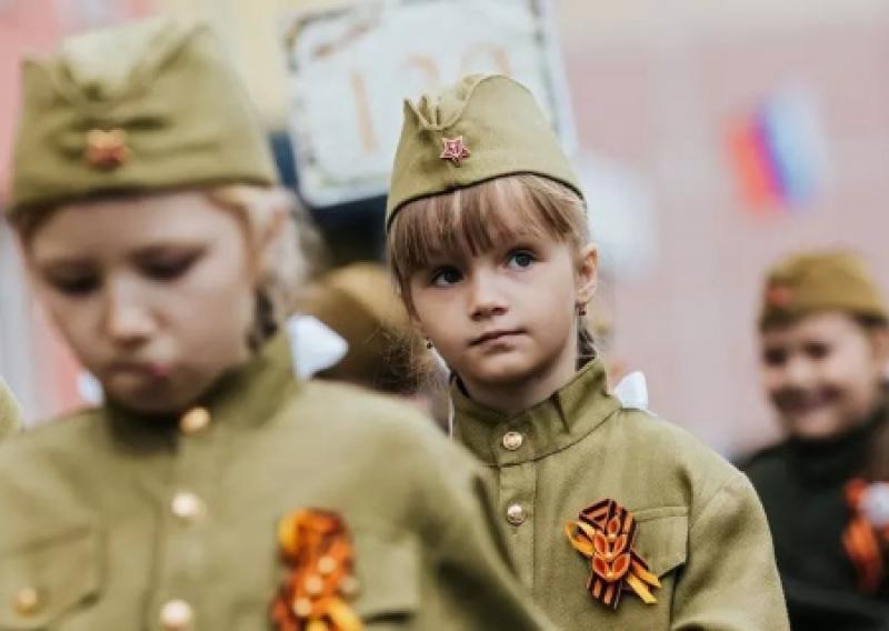 Для чего нужна идеология в России. Переписывание истории