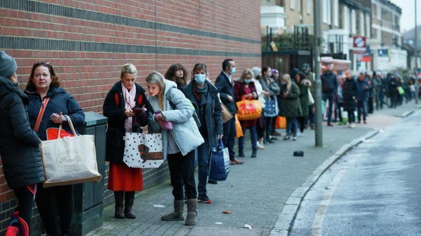 В Британии очереди за бесплатной едой всё длиннее и длиннее