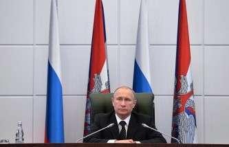 Владимир Путин требует, чтобы подводные лодки «не стояли у стенки»