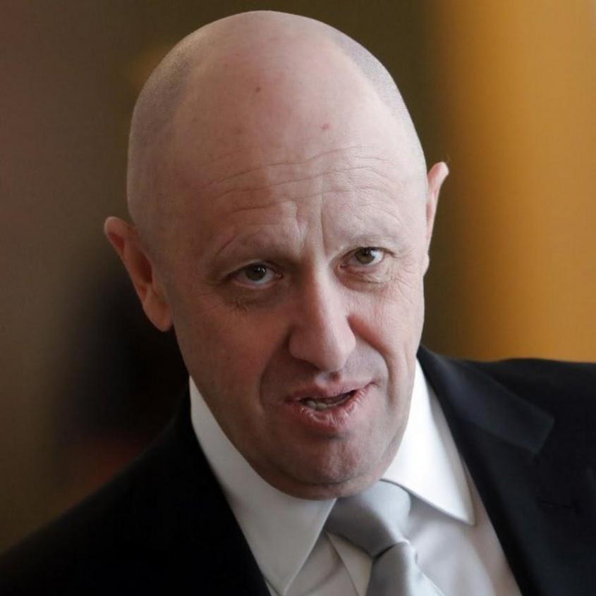 ФБР предложило награду в 250 тысяч долларов за информацию о Пригожине. Евгений Викторович передал им пламенный