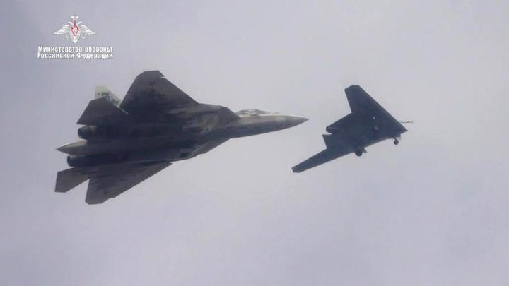 ВКС России получит летающие роем реактивные дроны