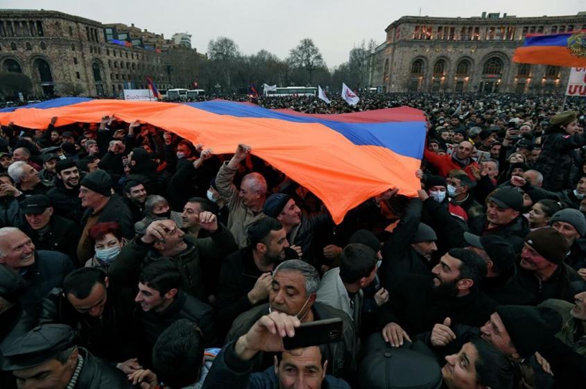 Виноваты Искандеры, а потом российское оружие – из лучших. Почему Пашинян поменял взгляды