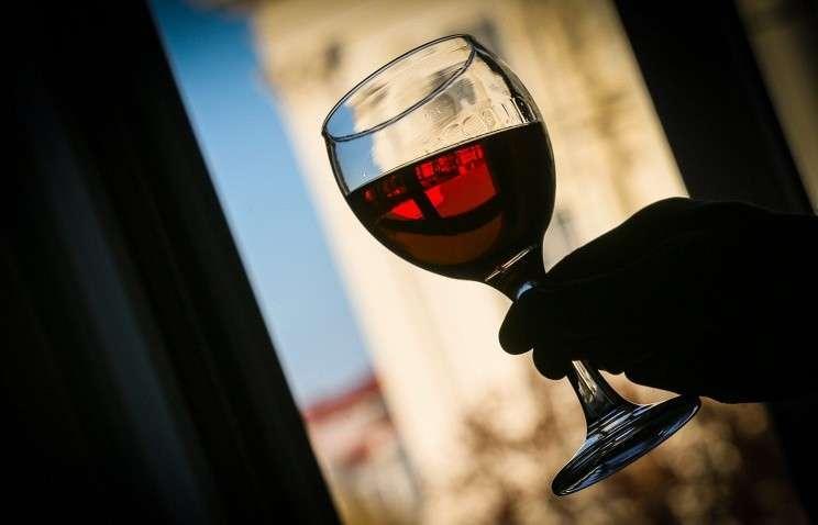 Враги в Правительстве предлагает разрешить рекламу российских вин и пива на ТВ и радио