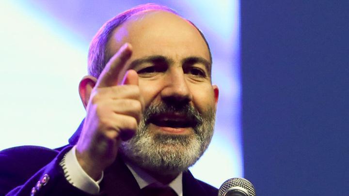 Пашинян уволил главу Генштаба, президент Армении Саркисян обратился в суд