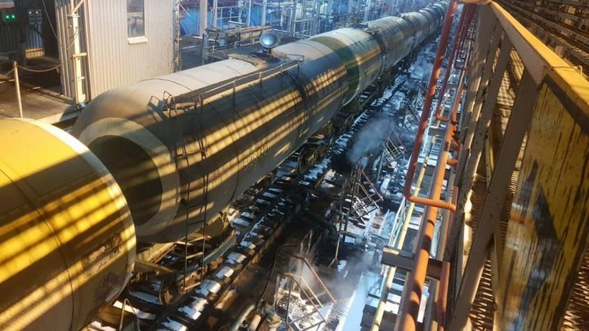 Петербургский нефтяной терминал начал перевалку белорусских нефтепродуктов