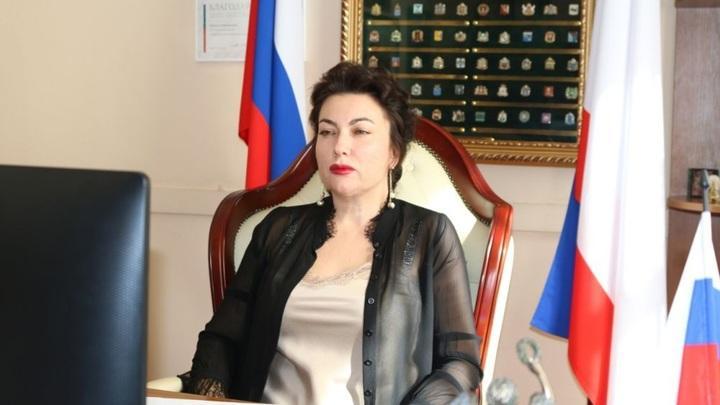 Министр культуры Крыма выругалась матом во время онлайн-конференции с участием Сергея Аксенова
