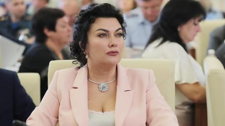 Аксёнов не видит проблемы в том, что министр культуры Крыма ругается матом