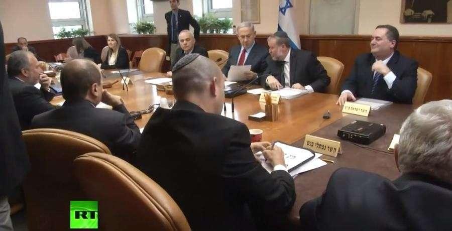 Профессор истории перестал считать себя евреем из-за политики Тель-Авива
