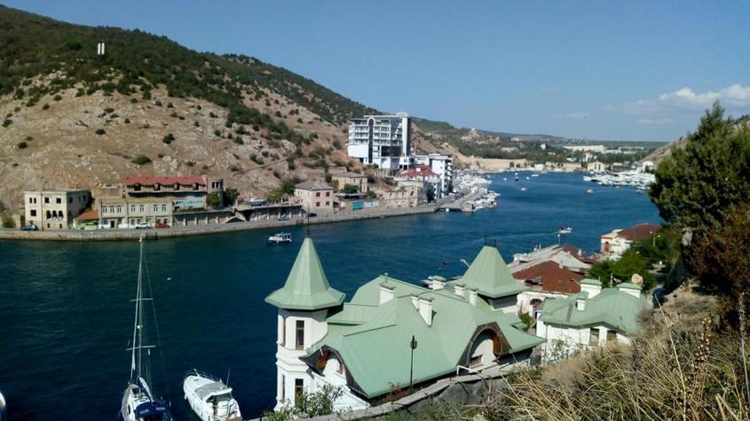 Иностранцы больше не могут владеть земельными участками в Крыму и Севастополе и Севастополе