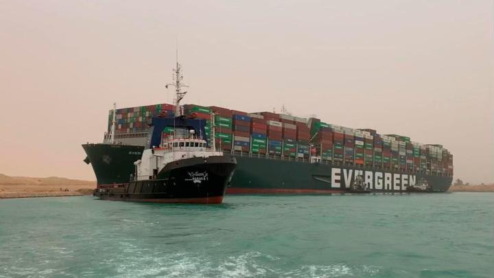 Перекрывший Суэц суперконтейнеровоз Ever Given поднял мировые цены на нефть на 5%