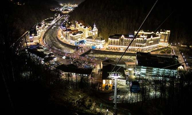 Доступ на горнолыжные курорты Сочи ограничили из-за спроса
