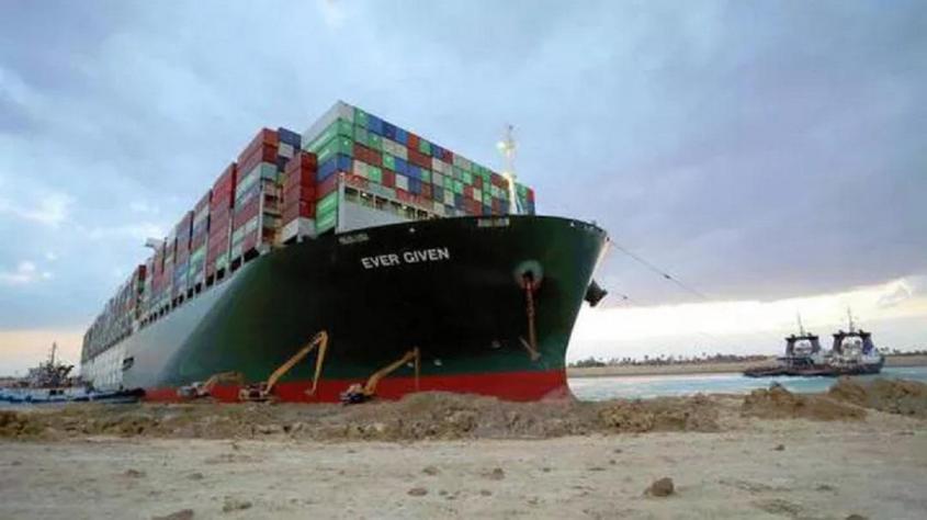 Суэцкий канал закрыли для больших контейнеровозов. Пошли все вон!