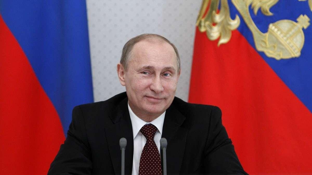 Как Путин спекулянт доллар продавал
