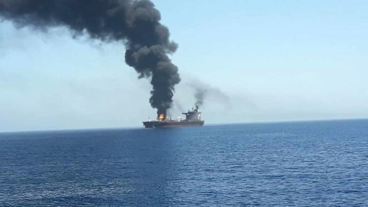 В Красном море иранское судно подорвали магнитной миной