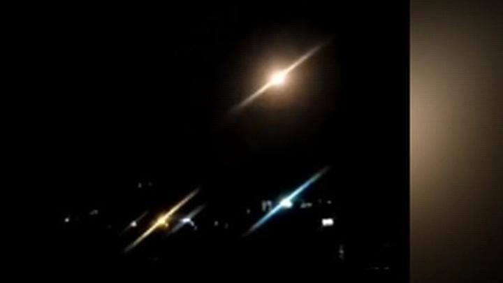 Израильские террористы нанесли ракетный удар по Дамаску, есть раненые