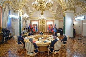Владимир Путин: Документ о присоединении Киргизии к ЕАЭС подписан