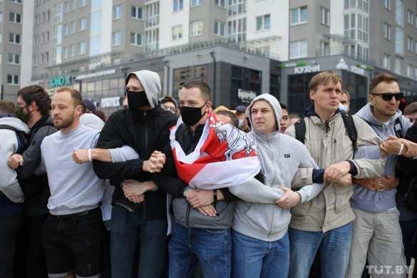Раскол общества: ценности белорусов по разные стороны баррикад | Русская весна