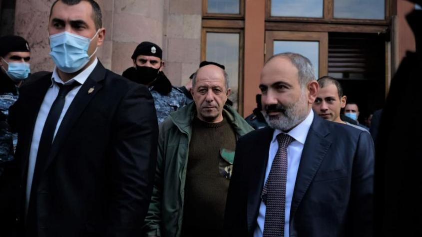Никол Пашинян ушёл в отставку с поста премьер-министра Армении