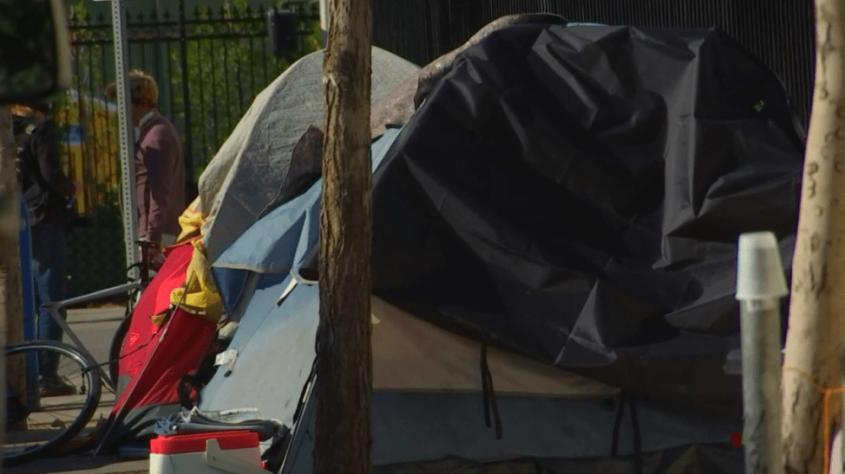 Инновация для бездомных в Лос-Анджелесе: бетонная площадка по цене квартиры