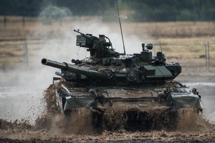 Минобороны РФ направит больше половины бюджета на закупку военной техники