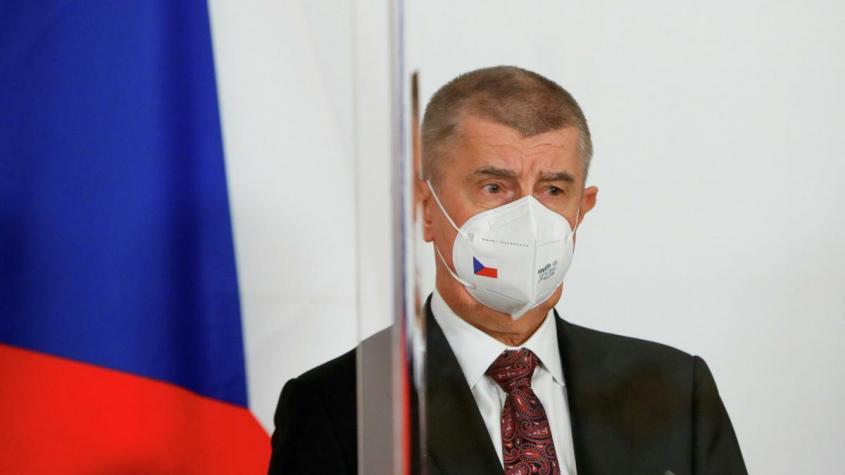Премьер Чехии призвал страны ЕС высылать хотя бы по одному российскому дипломату