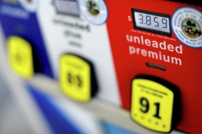 Американцам не хватает денег на бензин: виноваты, как всегда, русские