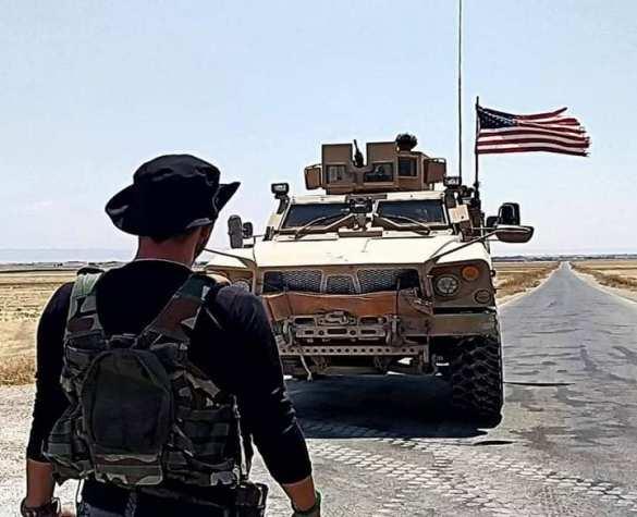 В Сирии забросали камнями конвой армии США | Русская весна