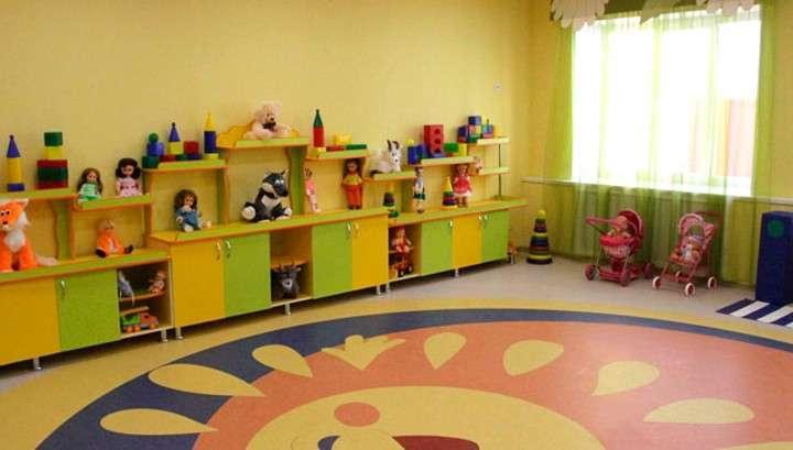 В России стало на 27 тысяч сирот меньше