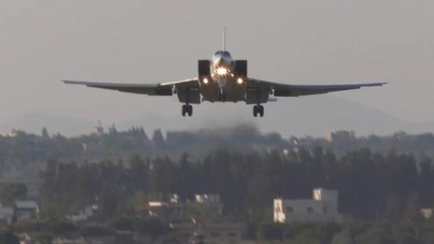 Российские дальние бомбардировщики Ту-22М3 начали осваивать небо над Средиземным морем