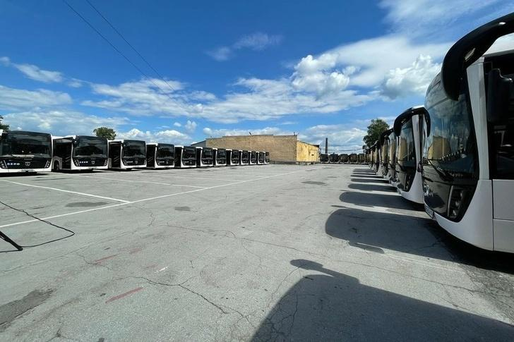 Новосибирск получил 40 новых автобусов НЕФАЗ на газомоторном топливе