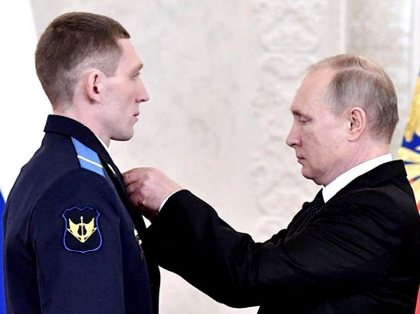 Как один русский спецназовец отбился от 40 террористов и спас от смерти сирийский город