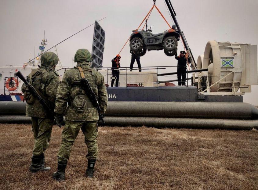 Пограничники Крыма получили новый катер-амфибию – видео