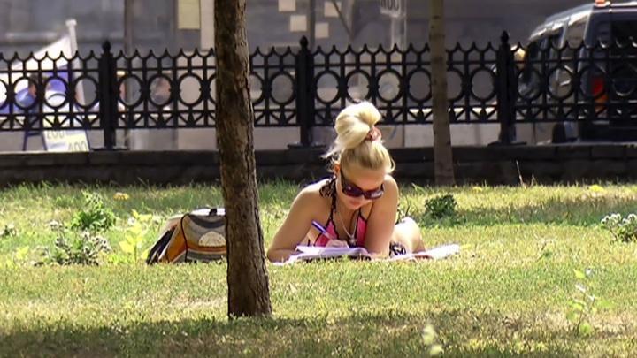 Погода в Москве: аномальная жара, рекордное давление, опасное излучение. Оранжевый уровень опасности