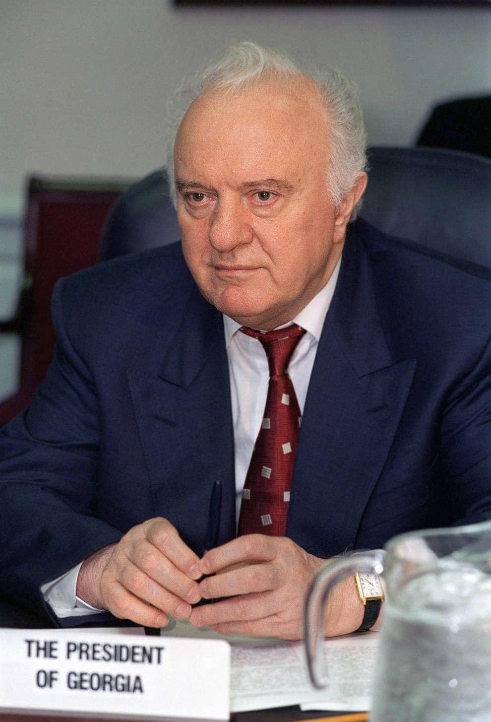 Скончался Эдуард Шеварднадзе