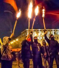 Новый год в Киеве: факельное шествие или фекальное?