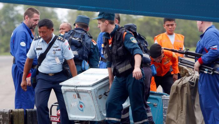 AirAsia не имела права отправлять упавший лайнер по его маршруту