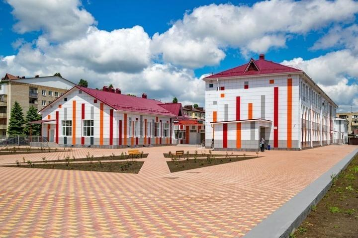 В России продолжается капитальный ремонт школ. Обзор