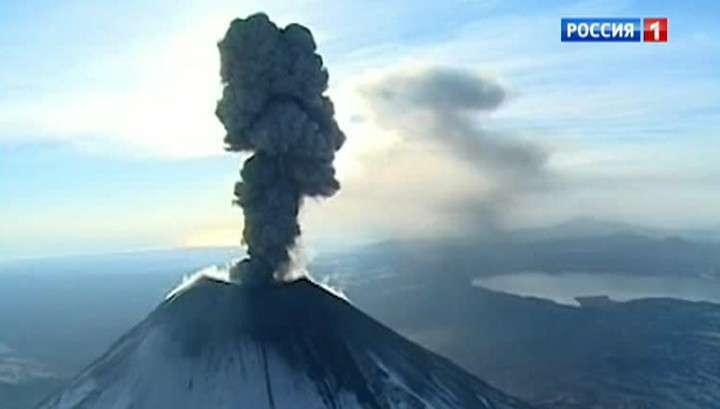 На Камчатке проснулся самый высокий вулкан Евразии