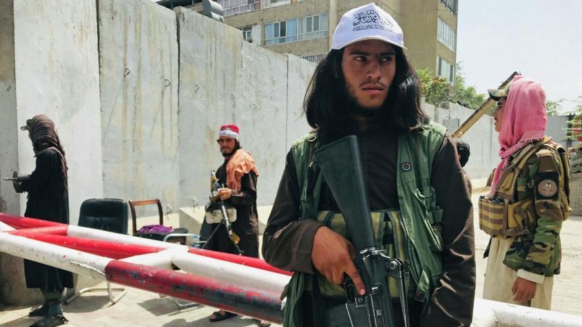 Несколько американских самолетов, вертолетов и ракет попали в руки талибо