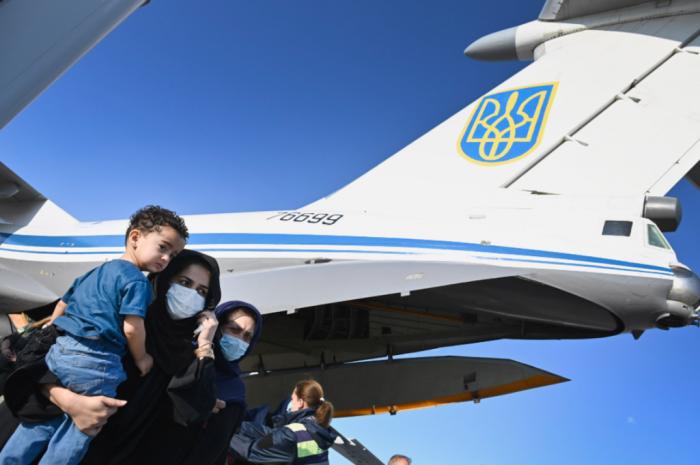 Эвакуация «украинцев» из Афганистана – очередное дно пробито: «это какой-то … позор» (с)